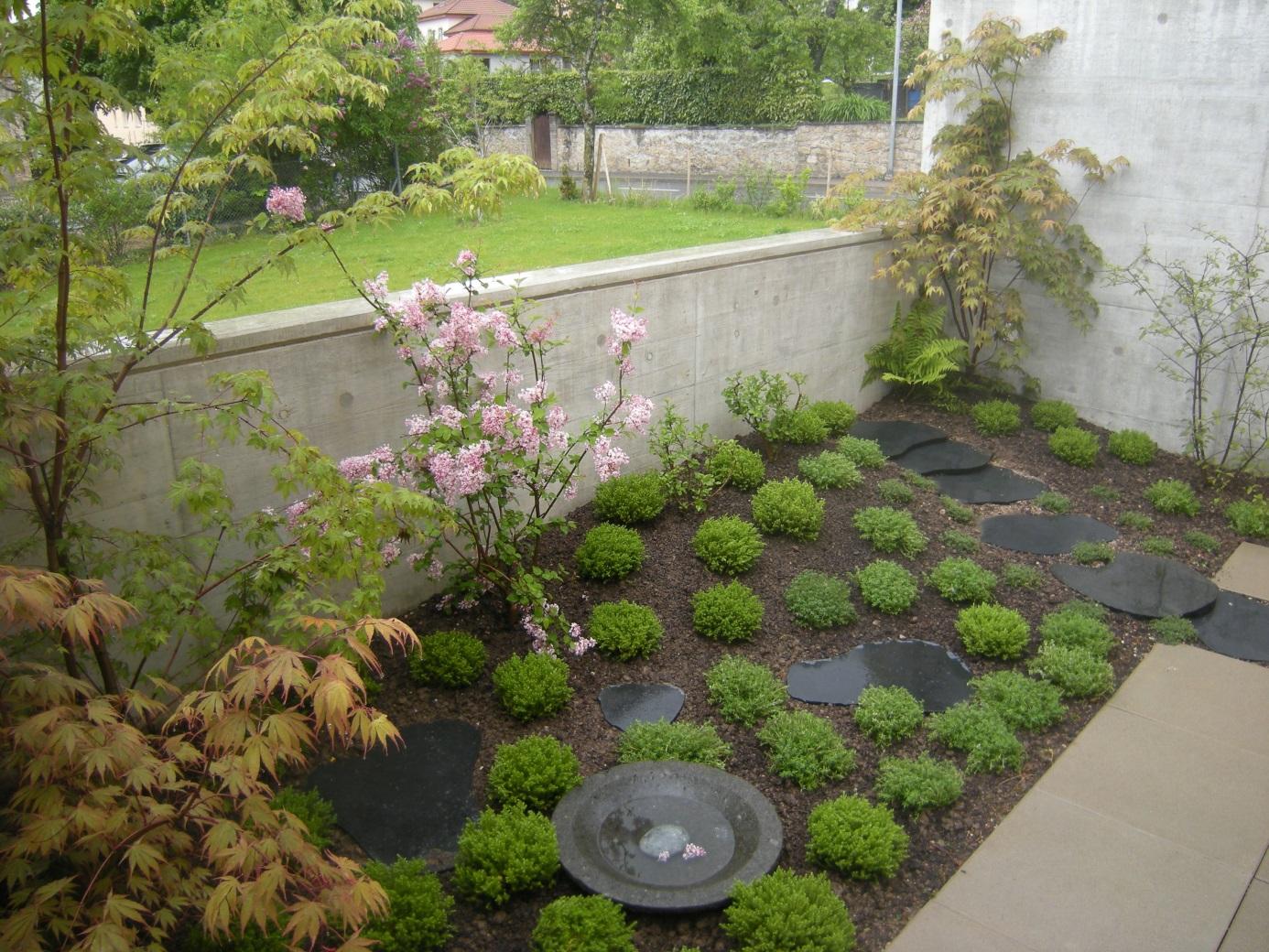 Jardin zen en terrasse jardin intime roger hofstetter for Realisation jardin zen